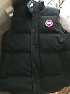 Authentic Canada Goose  Garson vest L