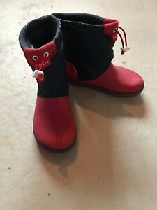 Crocs Winter Boots - J2