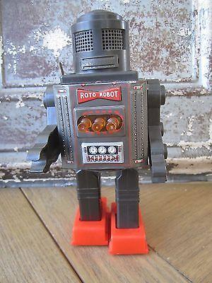 1960's Very rare SH Horikawa battery oprerated Roto robot