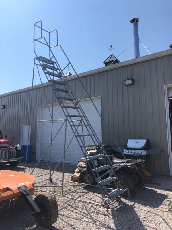 Industrial 14 foot step ladder with platform