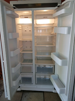 Samsung side by side fridge/freezer,perfect condition