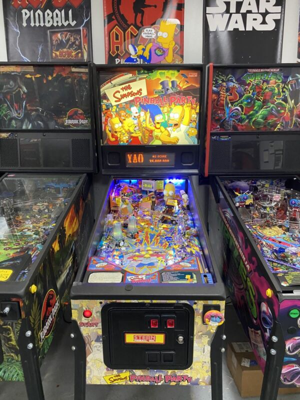 STERN SIMPSONS PINBALL PARTY HOME USE SUPER NICE EXAMPLE LEDS WITH TOPPER