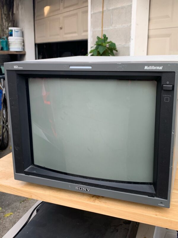 PVM-14L5 CRT FOR RETRO GAMING
