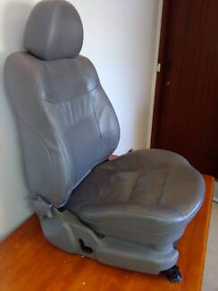 AU FAIRLANE FRONT DRIVERS SEAT AND FRONT PASSENGER DOOR TRIM Melbourne CBD Melbourne City Preview