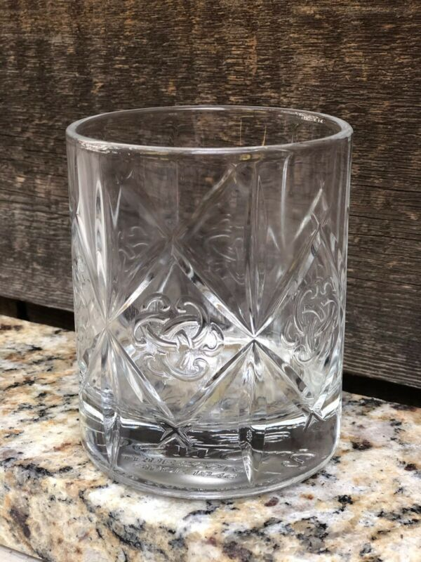 Dewars Legendary Blended Scotch Whiskey Embossed Logo Tailgate Rocks Glass