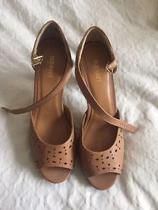 Women's shoes size 9 and 10