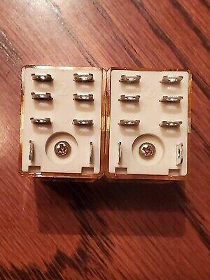 Idec Rh2b-u Relay 12vdc Coil Dpdt 7a 250vac Plug In - Used Qty 1