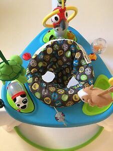 Baby Excersaucer 1 yr old like NEW Cambridge Kitchener Area image 3