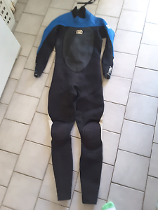 BILLABONG Wetsuit / Steamer Shellharbour Shellharbour Area Preview