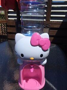 Fontaine d'eau Hello Kitty