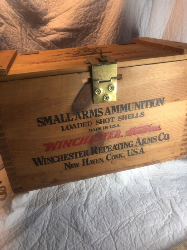 Vtg WINCHESTER Small Arms Ammunition Loaded Shot Shells 500 Repeater Box Crate