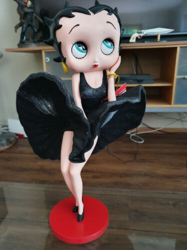 Extremely Rare! Betty Boop with Cool Breeze Black Glitter Dress Figurine Statue