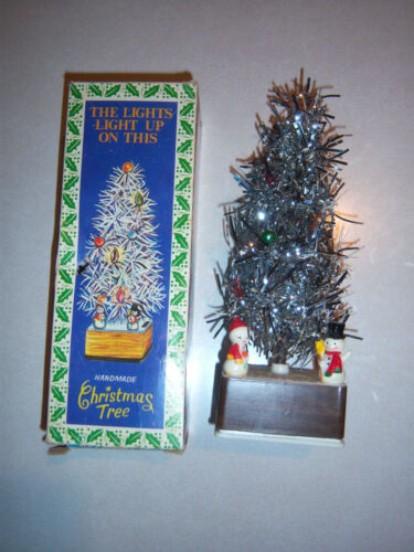 VINTAGE ADORABLE LIGHT UP ALUMINUM TINSEL MINIATURE CHRISTMAS TREE IN BOX