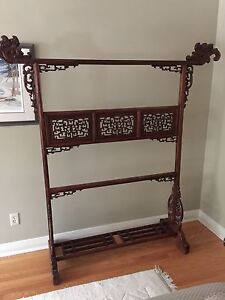 Gorgeous rosewood Chinese garment hanger