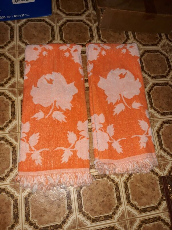 Vintage MCM from the 60s bath towel set