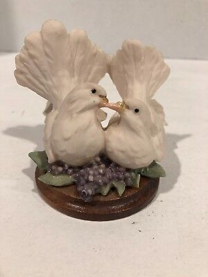 Capodimonte Pair of Doves with Grapes Kissing Doves Armani