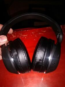SCULLCANDY NOISE CANCELLING SURROUND SOUND BLUETOOTH HEADPHONES  West Island Greater Montréal image 1
