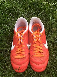 Unisex Nike tiempo soccer cleats size 2