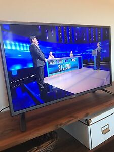 """As new LG 32"""" slim and stylish TV Woolloomooloo Inner Sydney Preview"""