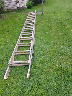Aluminum extenstion ladder