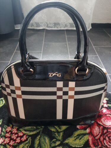 Handtasche  schwarz modern NEU !!!