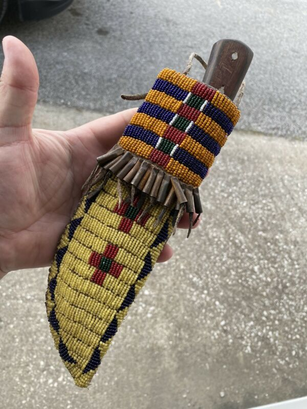 INCREDIBLE OLD HISTORIC INDIAN FUR TRADE BEADED KNIFE SHEATH W/ TINKLER BEADS