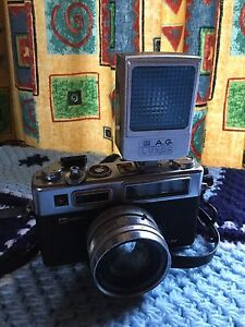 Electro 35 Yashica camera with flash Elizabeth Town Meander Valley Preview