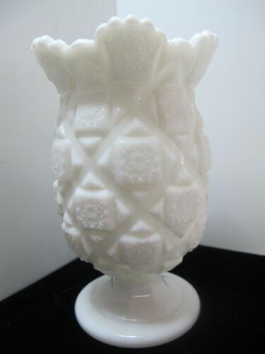 """Vintage Westmoreland """"Old Quilt"""" Scalloped Milk Glass Pedestal Celery Vase-6.5"""""""
