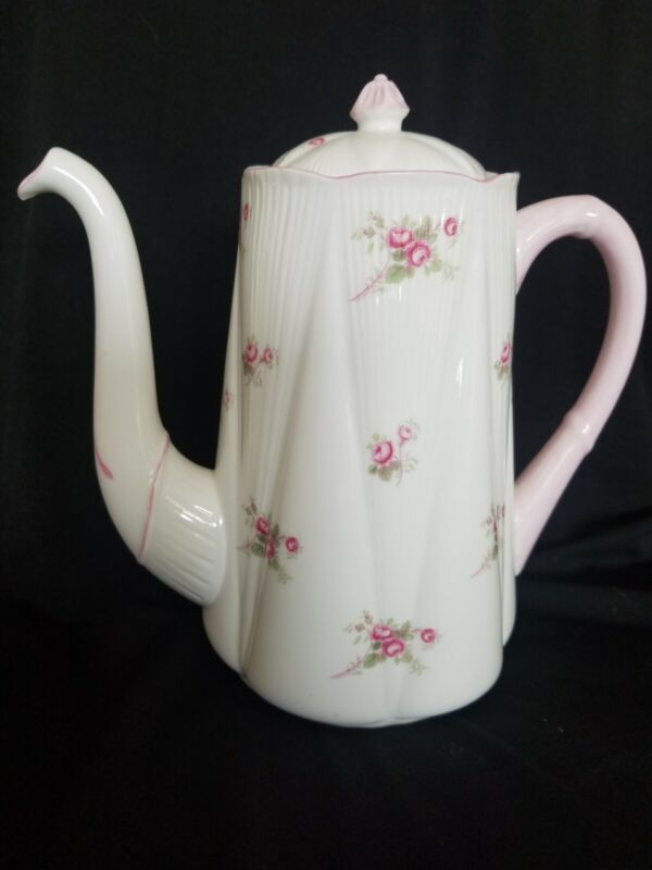 Shelley Bridal Rose (Dainty Shape)  Vintage Coffeepot Rare 8 Inches High