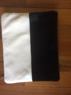 Faux Fur MAC Book case 33cm x 26 cm never used