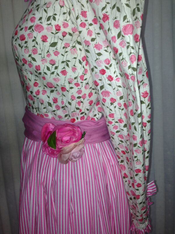 60s NETTIE VOGUES Maxi Granny Hippie Couture Cotton Dress 32-24-36 Sash& Corsage