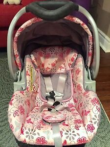 baby trend infant carseat