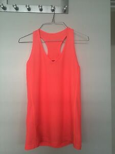 Lorna Jane singlet Merewether Newcastle Area Preview
