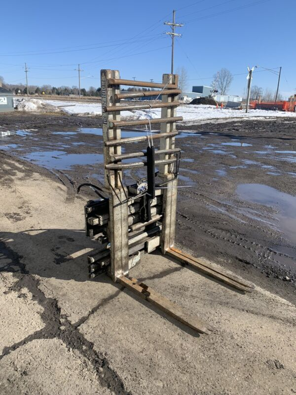 CASCADE CLASS 3 MULTI PALLET HANDLER WORKS AND OPERATES