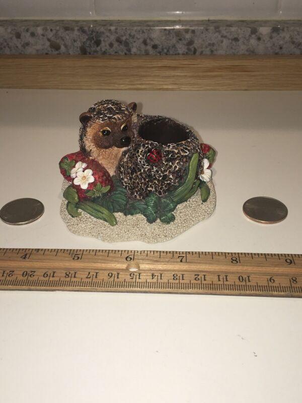 """Vintage 1996 Bramble & Clover 3.5"""" Hedgehog Toothpick Holder Ladybug 496610 VGUC"""