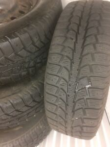 4 Uniroyal with rims:195/65R15