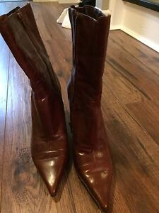 Like new condition Nine West leather boots-size 7