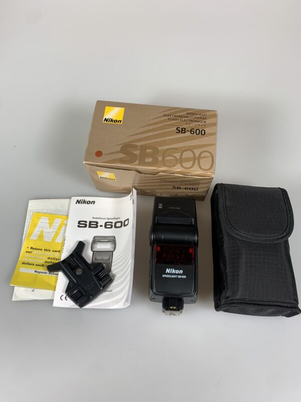 Nikon SB-600 [GN118] Speedlight Flash  {Bounce, Zoom} EX