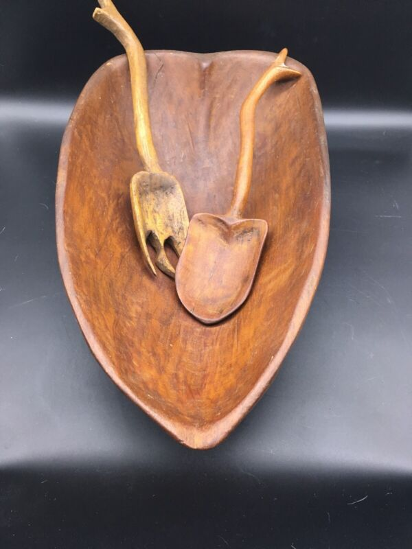 """Vintage Hand Carved Wood Bowl Heart Shaped Primitive Rustic Farmhouse Bread 17"""""""