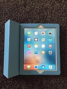 iPad 16 GB - works but needs repair Palmerston Gungahlin Area Preview