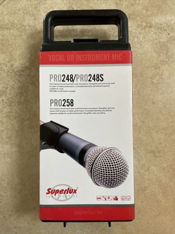 Microphone Superlux PRO248 Vocal Dynamic with Mic Clip and Carry Case