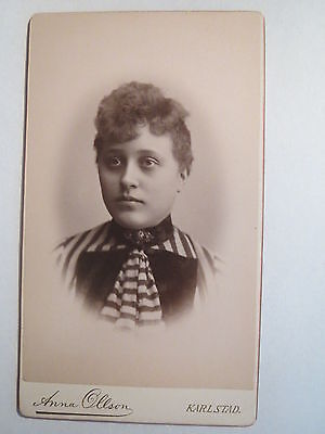 Karlstad - Frau im Kleid - Portrait / CDV