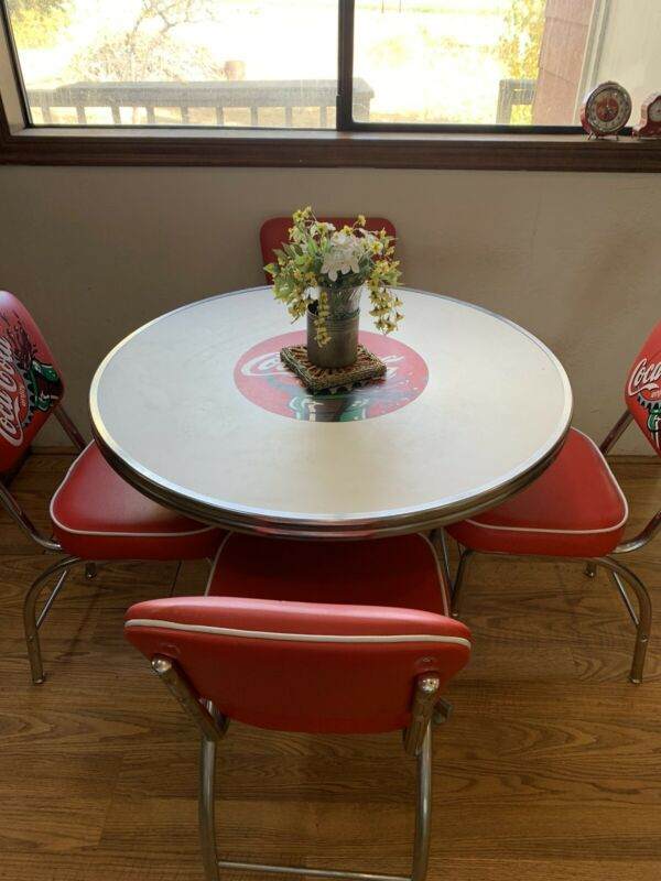 Coca-Cola Diner Chair 4 Chairs & Table Coke Bottle