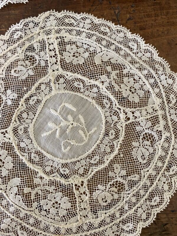 """Chic Set Of 4 Ornate Fine Lace French Embroidery Round Doilies Cream 1900's 5"""""""