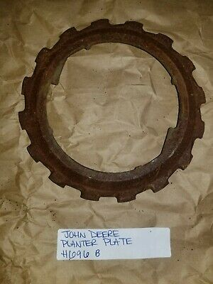 John Deere 71 - Jd Tractor H696-b Planter 16 Cell Large Corn Seed Disc Plate
