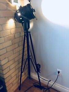VINTAGE FILM TRIPOD STAGE LAMP THEATRE SPOT LIGHT