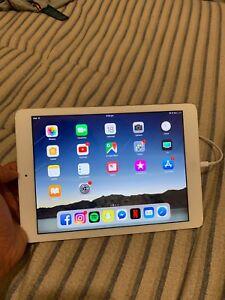 Silver iPad Air 32gb