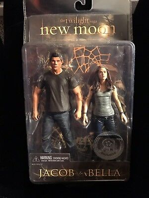 THE TWILIGHT SAGA NEW MOON JACOB & BELLA FIGURINE SET TOYS R US EXCLUSIVE NIP!!