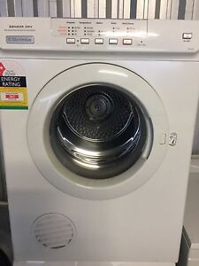 Clothes Dryer - Electrolux 6kilo (2 years old) Brompton Charles Sturt Area Preview