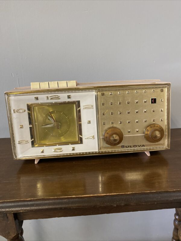 Vintage/Retro 1960's BULOVA Clock/Radio, Model 190 -Pink